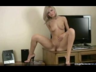 Scorching blonde unclothes cam showcase